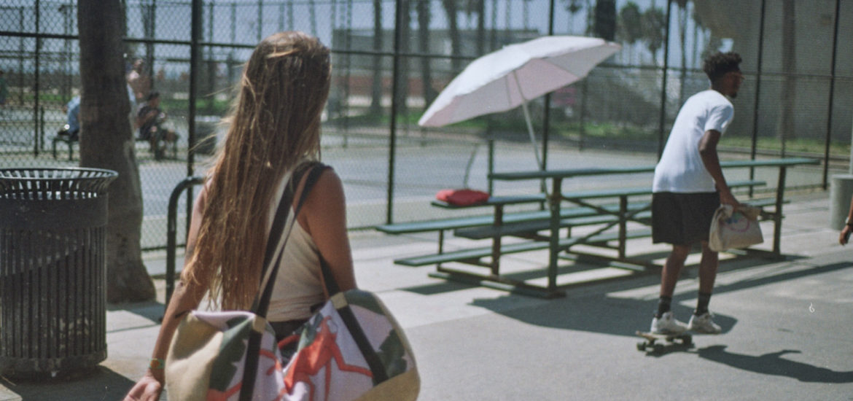 Lola Mignot in Venice Beach