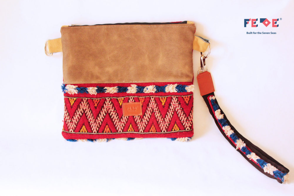 Padded Maxi Clutch bag Sahara - red by Fede Surfbags