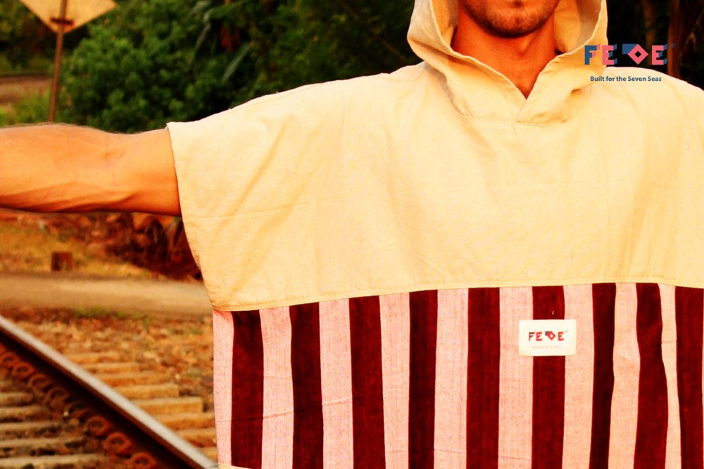 Fresh Surf Poncho and Changing Rope that make changing after surf or while traveling more easy and fresh. Limited Edition made with Hand-loomed Fabric from Sri Lanka.