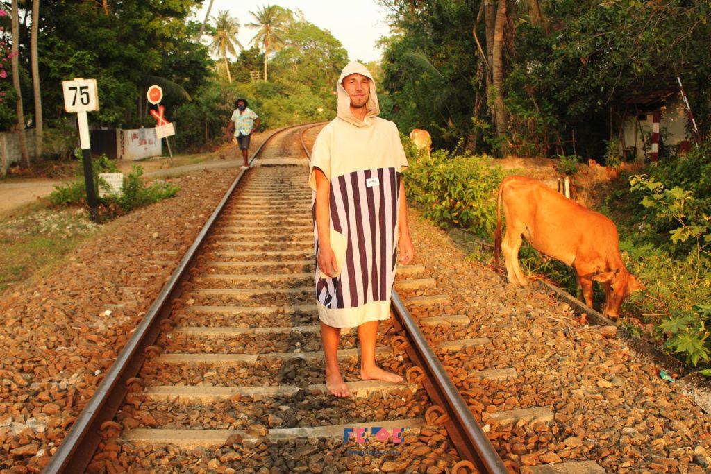 SriLanka_aka_Ceylon_Pre-Lockdown Adventure by Fede Surfbags_Poncho